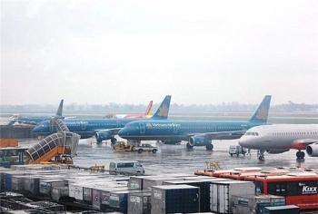 Nhiều chuyến bay đến Hong Kong bị hủy do bão