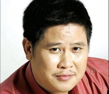 chuyen ong bau phuoc sang nuoi con ga cam tinh