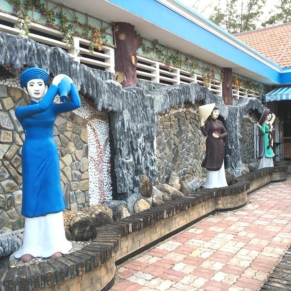"""3 người vợ phụ bạc ông Lê Ân tạc để """"khắc cốt ghi tâm"""" nỗi căm hận trong làng du lịch Chí Linh thành phố Vũng Tàu"""