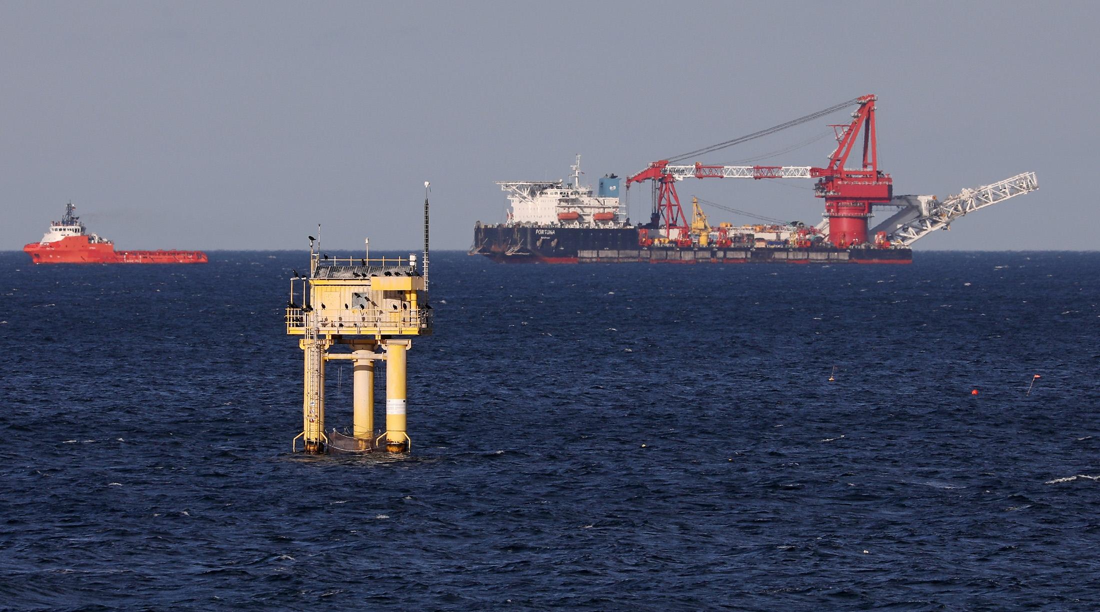 Nord Stream 2: Tàu Nga bắt đầu công việc hoàn thiện đường ống dẫn khí đốt ở vùng biển Đan Mạch, bất chấp đe doạ của Mỹ