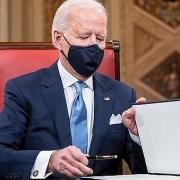 Thông báo tạm hoãn các dự án khoan dầu trên các vùng đất và vùng biển liên bang, Joe Biden tuyên chiến với nhiên liệu hoá thạch