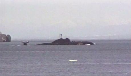 Anh đưa tàu ngầm hạt nhân đến quần đảo tranh chấp với Argentina