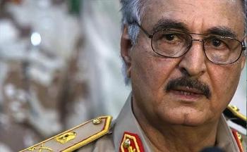 Thống chế Khalifa Haftar bị cáo buộc bán dầu của Libya thông qua các công ty bất hợp pháp