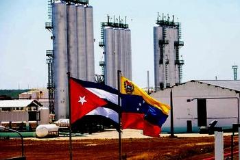 phe doi lap venezuela doa cat nguon cung dau tho cho cuba