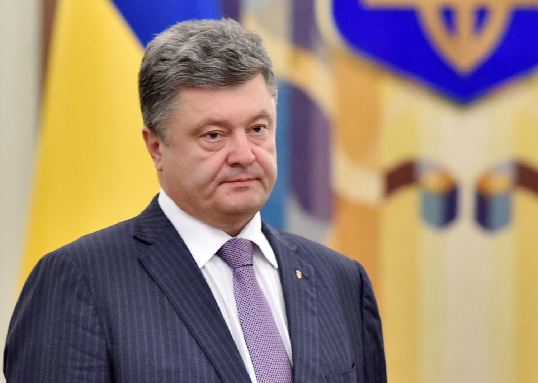 tong thong ukraine poroshenko dang tranh cu voi tong thong nga putin