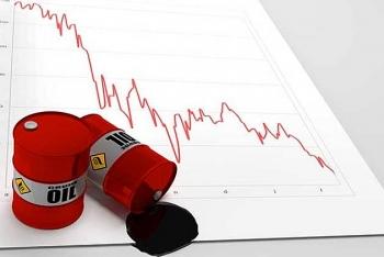 Dầu Mỹ phá vỡ kỷ lục giá thấp của 18 năm trước