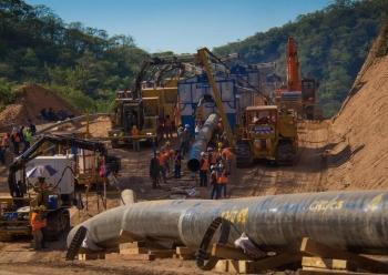 Uganda, Tanzania, Total và CNOOC đồng ý xây dựng đường ống dẫn dầu EACOP
