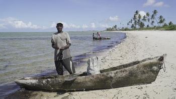 Tổ chức phi chính phủ Friends of the Earth kiện chính phủ Anh vì hỗ trợ Mozambique LNG
