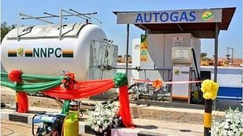 Nigeria chuyển đổi một triệu xe sang chạy bằng khí đốt tự nhiên vào năm 2025