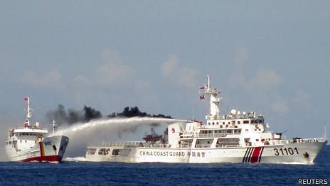 Ai tiếp tay cho Trung Quốc độc chiếm Biển Đông?
