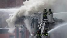 Hai nhà thờ Chính thống giáo ở hai châu lục bị cháy cùng lúc