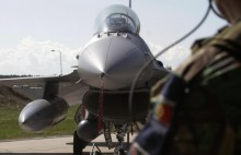 Báo Nga: Việt Nam sẽ mua máy bay F-16 của Mỹ