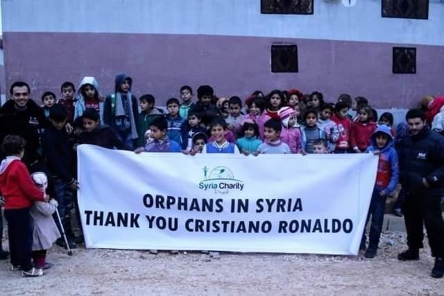 cristiano ronaldo quyen tang 15 trieu dola cho nguoi dan palestine