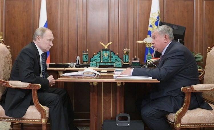 Tập đoàn Rosneft đề nghị Tổng thống Putin giúp đỡ