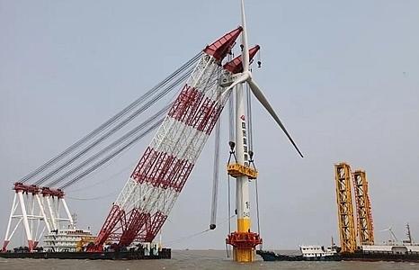 Trung Quốc xây dựng các trang trại điện gió ở Biển Hoa Đông