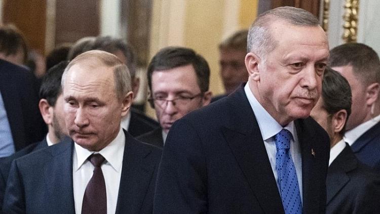 """Ankara lại """"chơi xỏ"""" Moscow"""