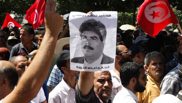 Tunisia tê liệt sau vụ ám sát một lãnh đạo đối lập