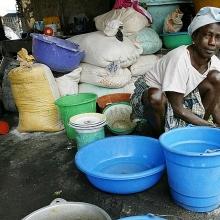nigeria tro thanh nuoc ngheo nhat hanh tinh