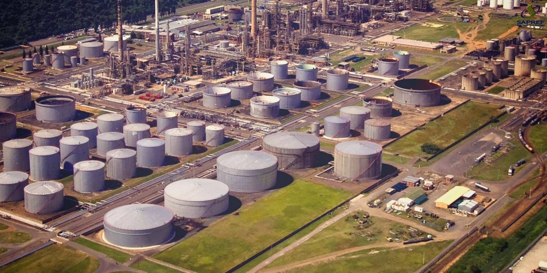 Nhà máy lọc dầu lớn nhất Nam Phi tuyên bố bất khả kháng do bạo động xã hội