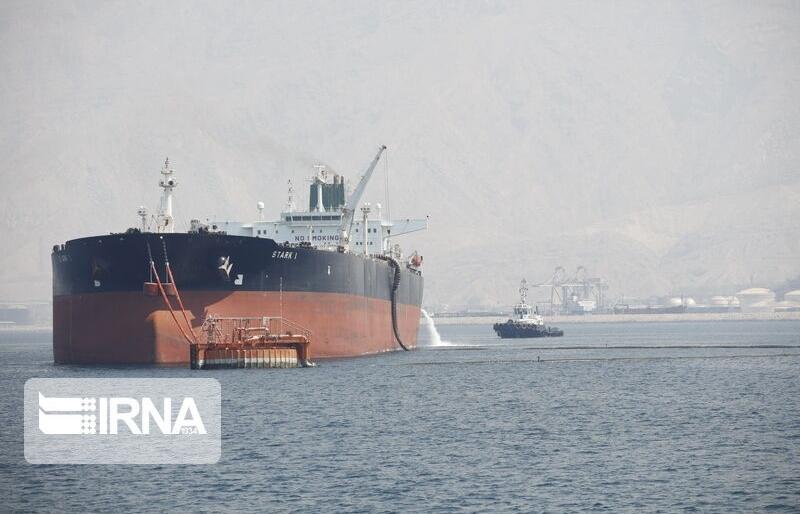 Lần đầu Iran xuất khẩu dầu không đi qua eo biển Hormuz