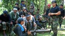 Phiến quân Philippines chặt đầu con tin 18 tuổi