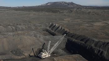 Ukraine bắt đầu phải mua than của Mỹ