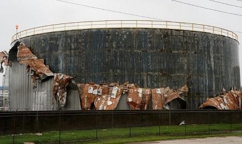 Bão Harvey ảnh hưởng nghiêm trọng tới ngành công nghiệp dầu mỏ Mỹ