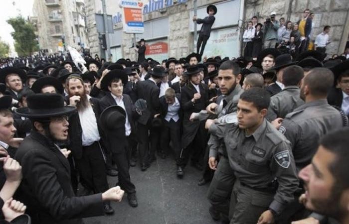 Ukraine: Cảnh sát bắt giữ một nhóm tội phạm người Israel tống tiền du khách
