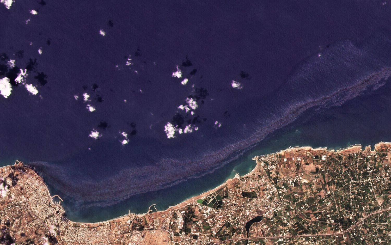 Sự cố tràn dầu tại Syria đe dọa bờ biển Síp