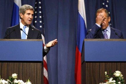 """Mỹ """"ủ mưu"""" đưa Assad ra xét xử"""