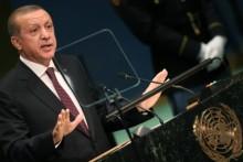 Erdogan ấm ức vì Mỹ cung cấp vũ khí cho người Kurd
