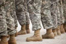 Toàn bộ giày của quân đội Mỹ do Trung Quốc sản xuất