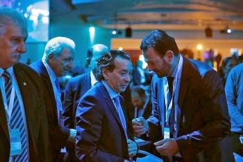 argentina thang may cho cac bo truong dut cap