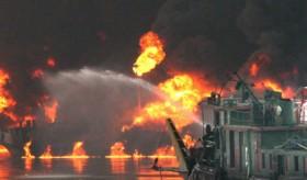 Trung Quốc: Nổ tàu chở dầu, 7 người chết