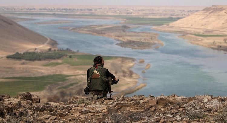 my dang lam gi o bo dong song euphrates syria