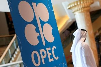 OPEC+ quyết tâm tăng dần sản lượng