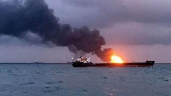 Nga giải cứu tàu chở dầu phát nổ ở Biển Azov