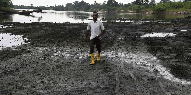Thái độ của người dân Nigeria với luật dầu khí mới
