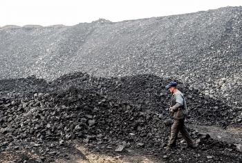 Khủng hoảng năng lượng: Trung Quốc đã đạt kỷ lục sản lượng than hàng ngày