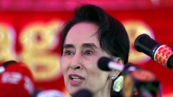 vi sao ba suu kyi khong the lam tong thong myanmar