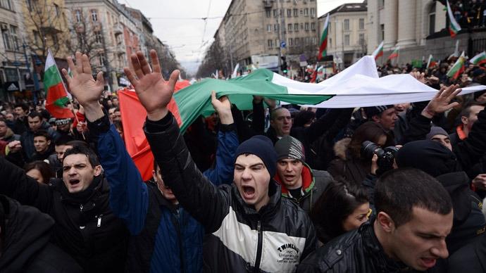 bulgaria te liet vi nguoi bieu tinh phan doi gia nhien lieu