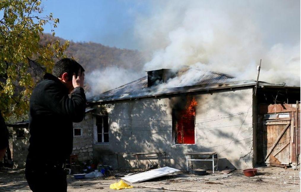 Người Armenia tự đốt nhà mình khi rút khỏi Nagorno-Karabakh
