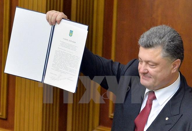 """Ukraina công khai """"tuyên chiến"""" nước Nga"""