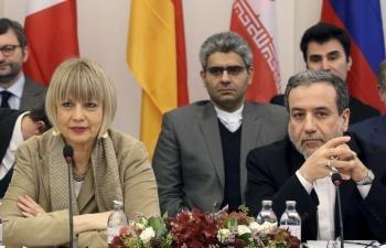 """Quốc tế kêu gọi Iran """"chớ manh động"""""""