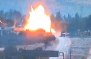 Syria: Xe bọc thép Nga trúng tên lửa ở Idlib