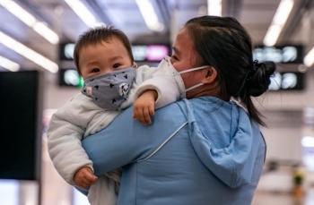 tin tuc the gioi 311 virus corona co the lay tu nguoi sang nguoi chi trong 15 phut