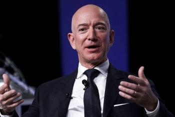 """Ba thói quen """"ngược đời"""" của tỷ phú giàu nhất hành tinh Jeff Bezos"""