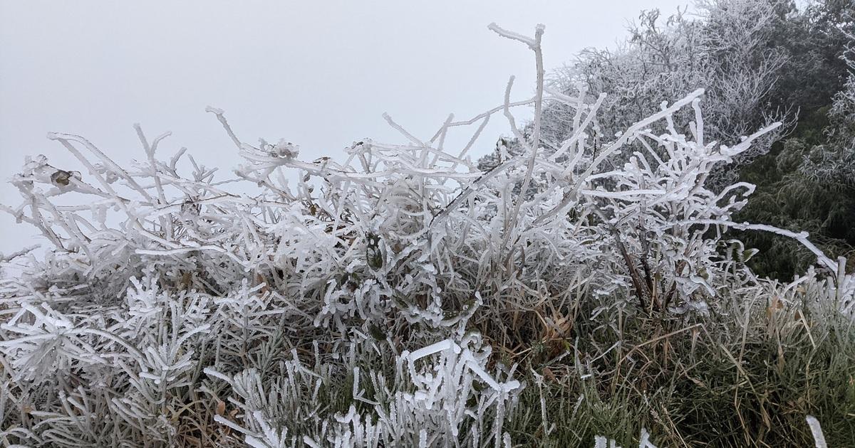 Cận cảnh băng giá ở Cao Bằng, Lạng Sơn trong giá lạnh dưới 0 độ C
