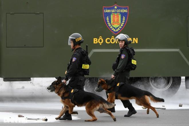Diễn tập phòng chống khủng bố, bảo vệ nguyên thủ trước thềm Đại hội Đảng - 26