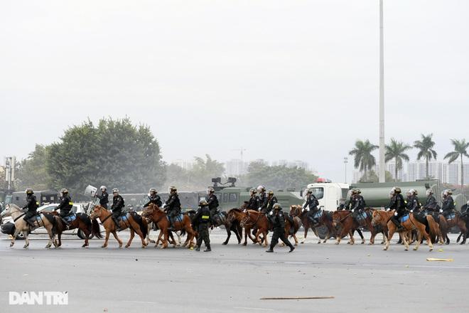 Diễn tập phòng chống khủng bố, bảo vệ nguyên thủ trước thềm Đại hội Đảng - 27